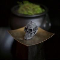 Celtic skull candle